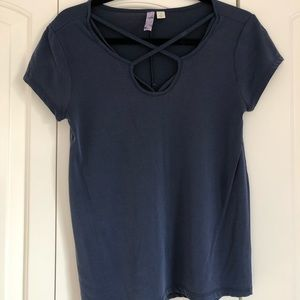 Blue t-shirt with cross detailing